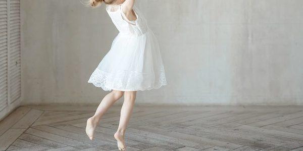 子どもを幼児ダンス教室に通わせるメリット4つや月謝相場を紹介